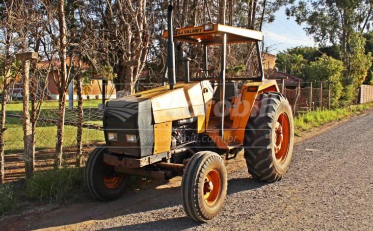 Trator VALMET 885 4×2 ano 1994 - Tratores - Valmet - Agrobill - Tratores, Implementos Agrícolas, Pneus