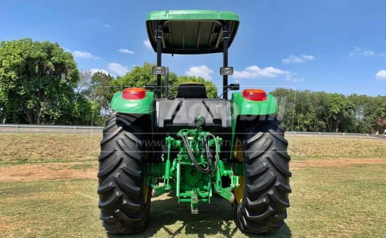 Trator John Deere 5078 E ano 2018 com conjunto de Concha TATU – PCA - Tratores - John Deere - Agrobill - Tratores, Implementos Agrícolas, Pneus