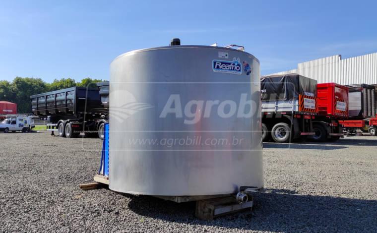Resfriador de Leite 2000 L / Vertical Aberto – Reafrio > Usado - Resfriador - Reafrio - Agrobill - Tratores, Implementos Agrícolas, Pneus