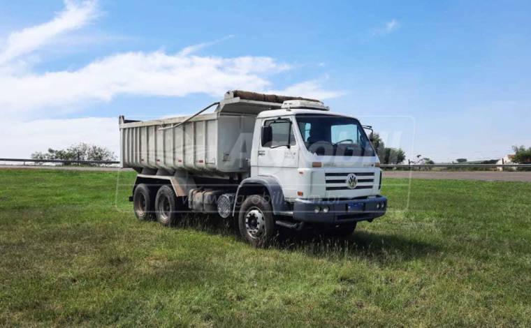 Caminhão Volkswagem 31-260 E Worker 6X4 Ano 2008 Equipado com Caçamba Rosseti de 14m³ > Usado - Caminhões - Volkswagem - Agrobill - Tratores, Implementos Agrícolas, Pneus