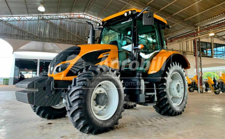 Trator Valtra A 124 4×4 Hytech ano 2018 cambio PowerShift - Tratores - Valtra - Agrobill - Tratores, Implementos Agrícolas, Pneus