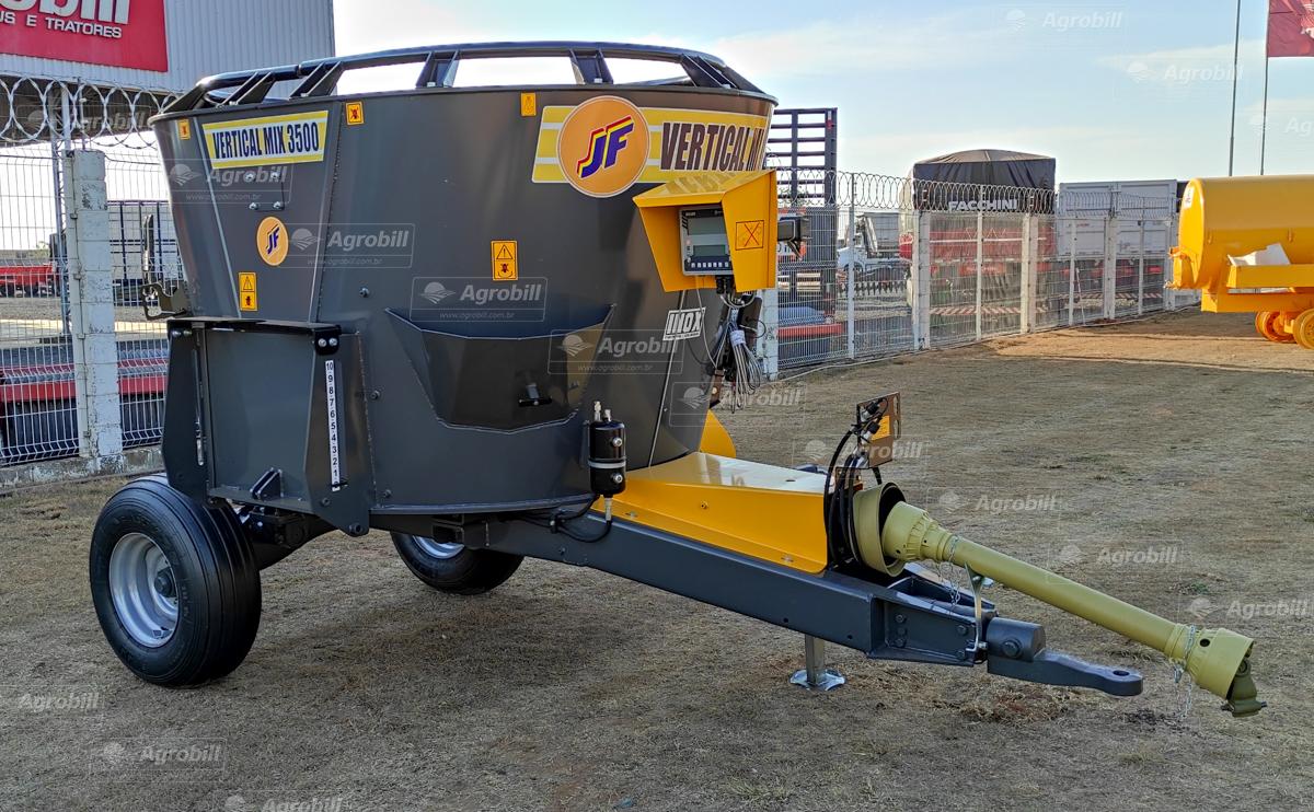Vagão Misturador Vertical MIX Vertical JF 3500 com Bica Lateral > Novo - Vagão Misturador - JF - Agrobill - Tratores, Implementos Agrícolas, Pneus