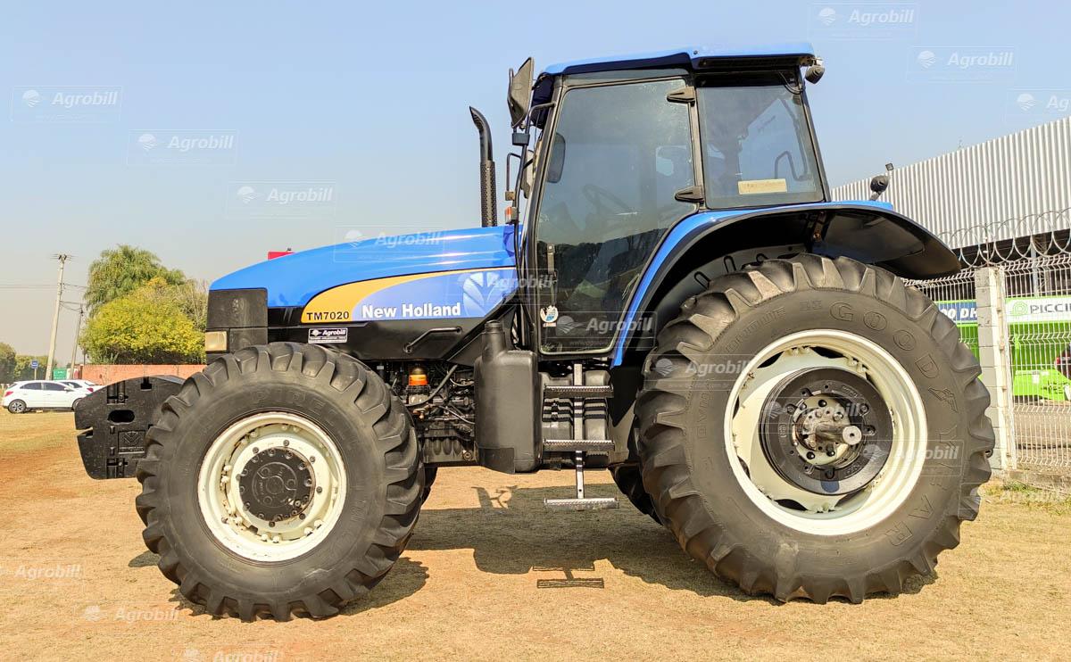 Trator New Holland  TM 7020 4×4 ano 2013 - Tratores - New Holland - Agrobill - Tratores, Implementos Agrícolas, Pneus