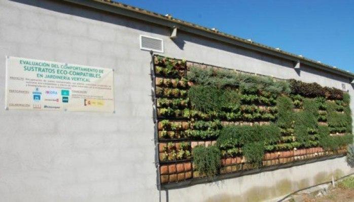 Paredes Vegetales: cubierta vertical experimental. Finca el Encín. Fuente: chil.me/foroagrario-ag-urbana-integral