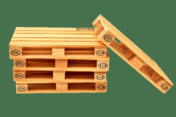 compostera casera de madera con palés
