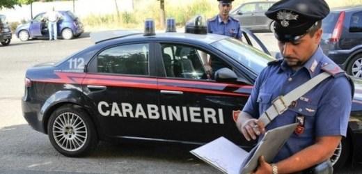 Rubano l'auto ad un giovane, arrestati due pregiudicati di Saviano.