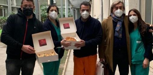 Lo chef nolano Valentino  Buonincontri omaggia i medici dell'ospedale di Nola