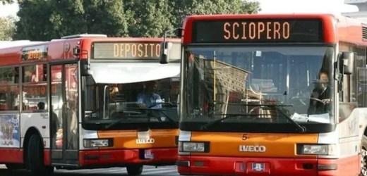 Napoli, sciopero dei mezzi pubblici, adesione tra il 30 e il 41%