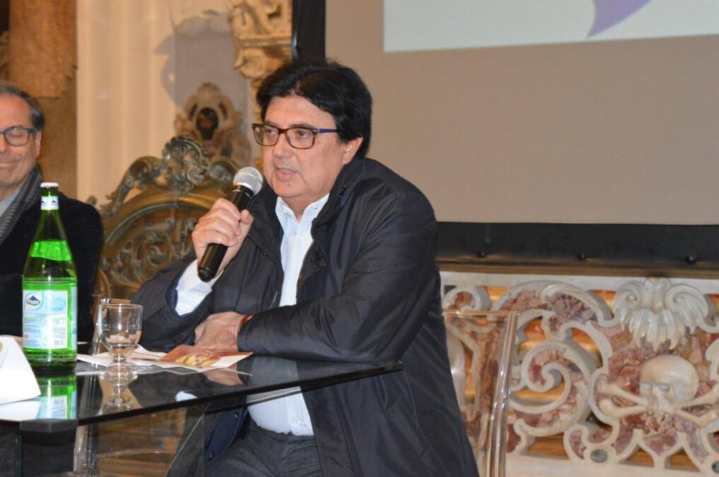 Nola piange Carmine Martinez, oddio allo storico ottico