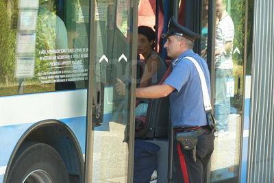 palpeggiamenti-autobus-salerno