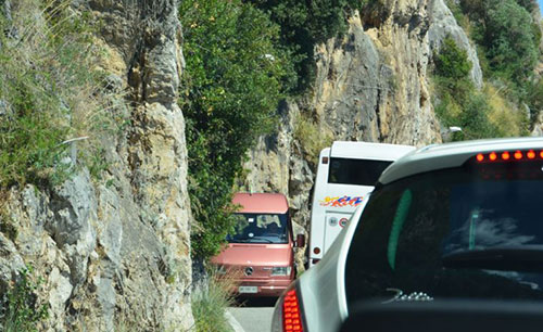 traffico_costiera_amalfitana