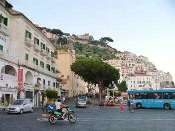 amalfi-piazza-flavio-gioia-jpg