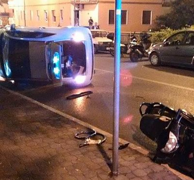 auto-trincerone-ribaltata-incidente