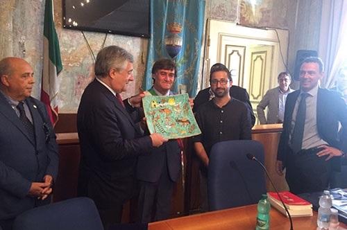 presidente-europarlamento-tajani-in-visita-a-vietr-173727