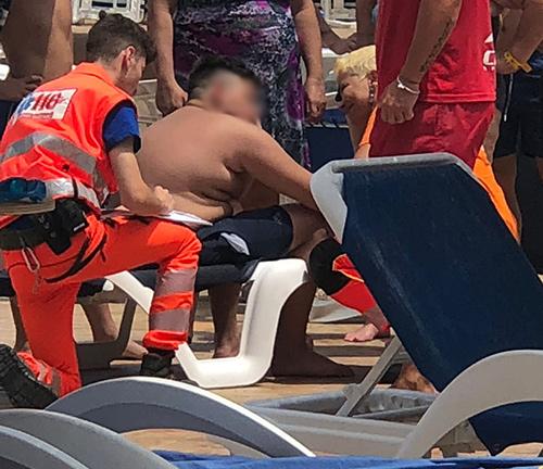 Malore-ambulanza-piscina-ambulanza