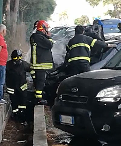 incendio-auto-ospedale