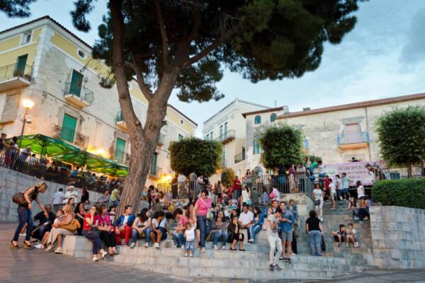 Scalinate-Piazza-della-Mercanzia