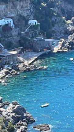 tragedia-a-praiano-donna-deceduta-in-spiaggia-dopo-un-malore-3323747