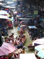 damnoen-saduak-floating-market-546272_640