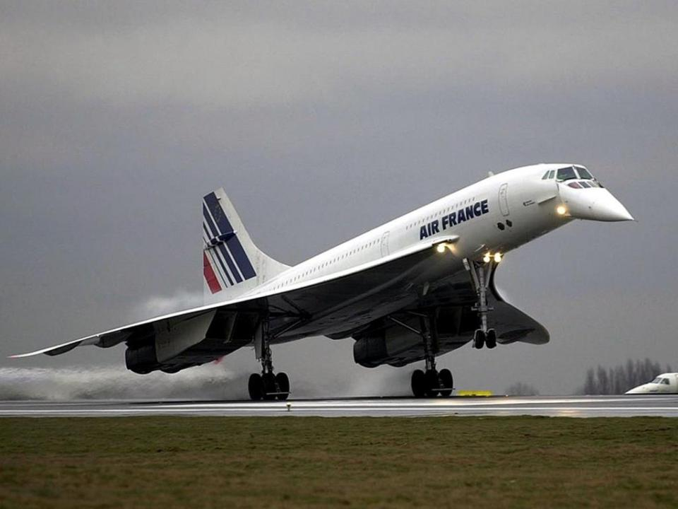 Of the 14 production Concordes, seven entered service with Air France and ...