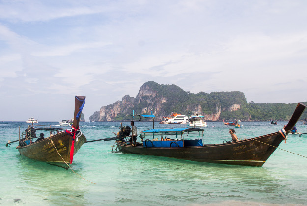 Thailand long-boats