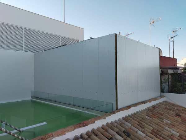 Cerramiento acustico de maquinas en cubierta Madrid