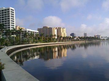 Beautiful downtown Waterfront
