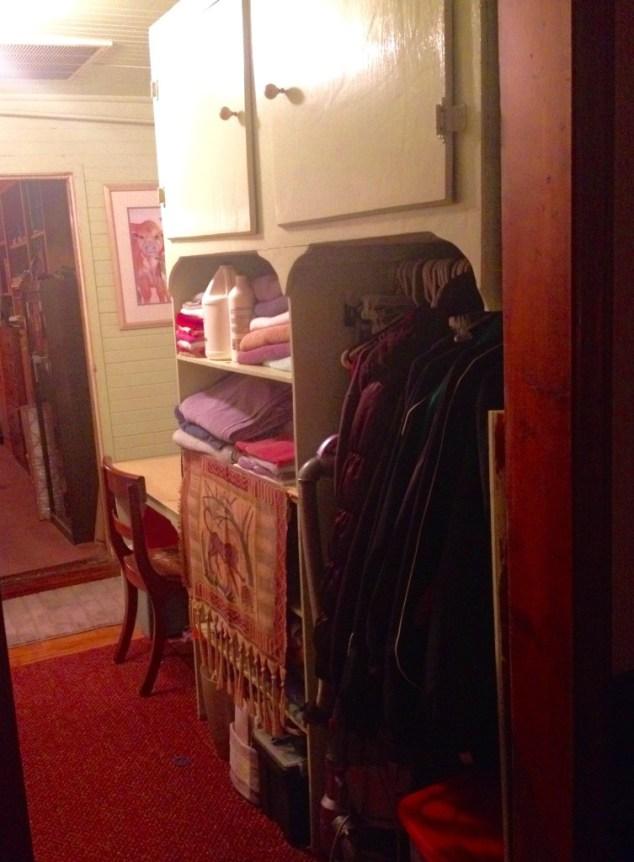hall cabinet3
