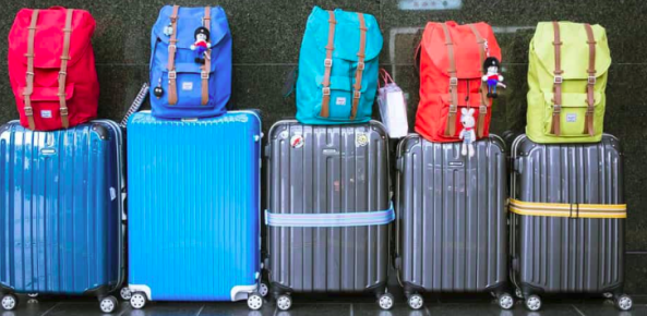 How to pack a suitcase for travel in 30 minutes?