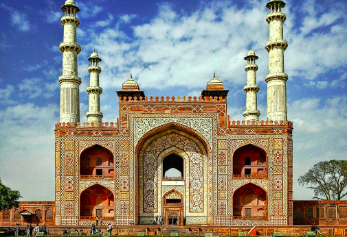 Top 5 Historical Places in and around Agra