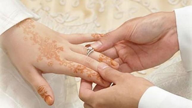 أطباء مغاربة يرفضون منح شهادة العذرية للمقبلات على الزواج!