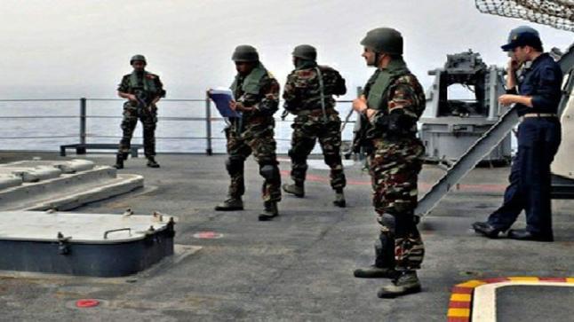 حظر الصيد بمنطقتين بحريتين بسواحل طانطان بفعل مناورات عسكرية