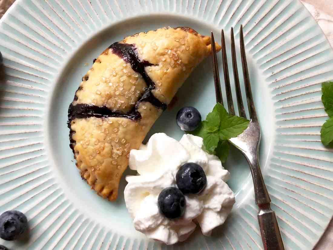 quick & easy blueberry hand pies