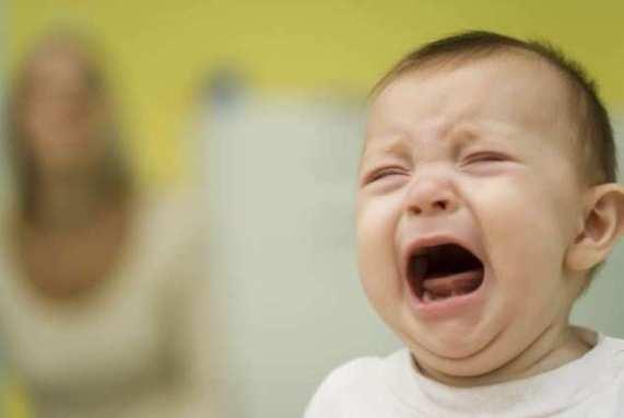 خمس انواع لبكاء الطفل