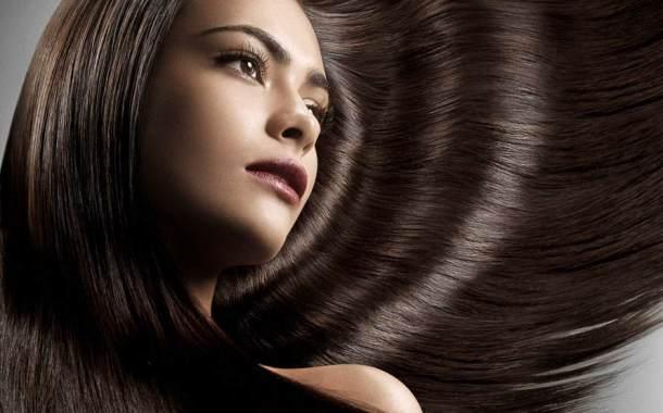 ثلاث طرق لتكثيف الشعر والمحافظة عليه