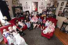 عام 2014 عائلة تهوى جمع الدمى من كل الأشكال والألوان