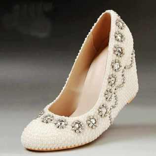 أحدث أحذية العرائس