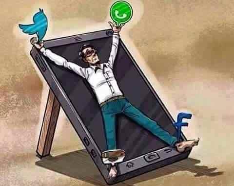 مجموعة من الصور تبين تأثير تطبيقات الموبايل ومواقع التواصل في حياتنا اليومية