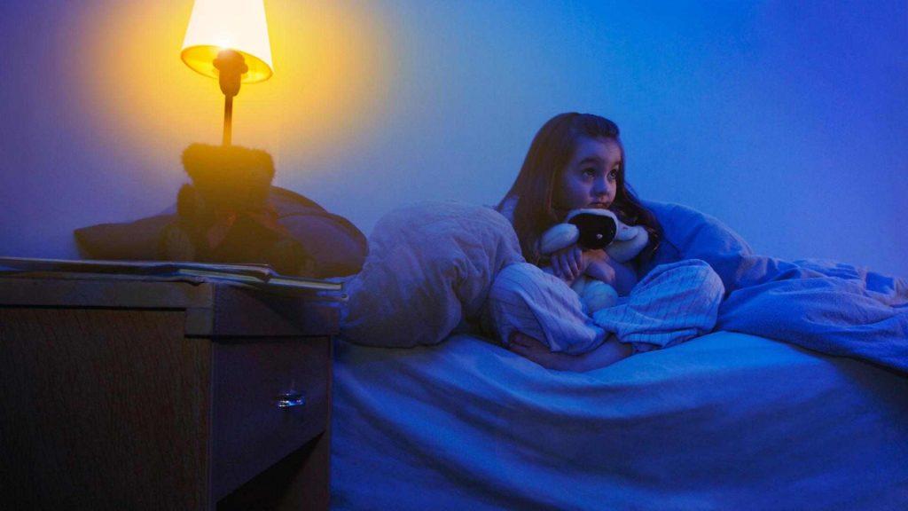 الخوف عند الأطفال أسبابه وعلاجه ونصائح للآباء في مقال شامل