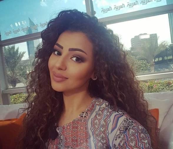 بالصور إعلامية سعودية شبيهة ميريام فارس