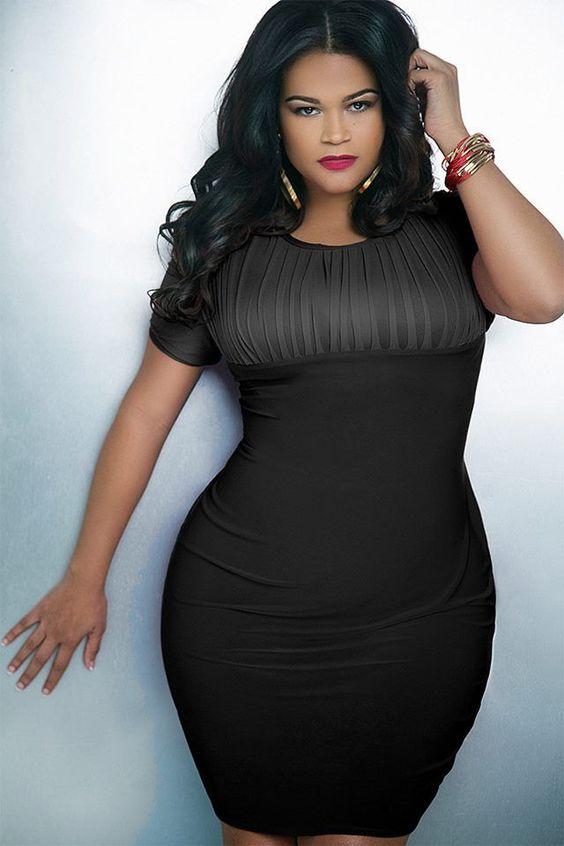 أجمل الفساتين السوداء للمرأة الممتلئة