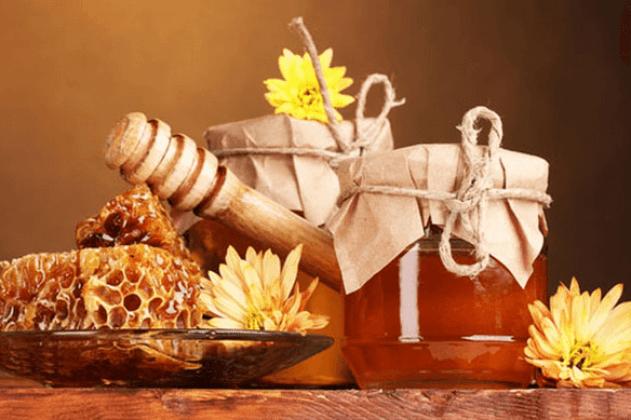 وضع العسل على سرة البطن ما الفائدة من ذلك لنتعرف معاً