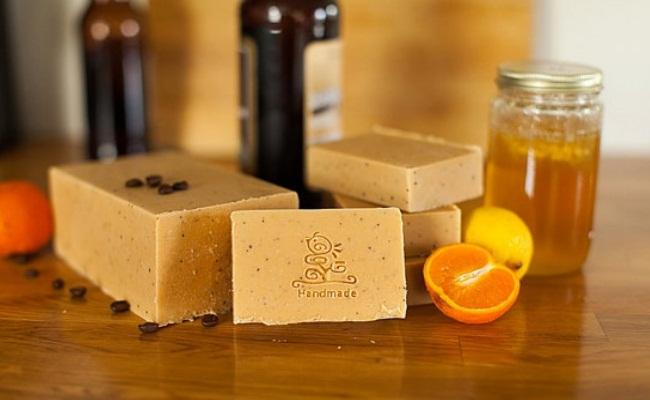 كيفية صنع صابونة العسل