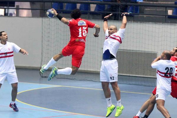 الأهلي يهدر فوزا سهلا و يتعادل مع الزمالك في كرة اليد