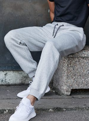 T5425_lifestyle_Heather Grey.jpg