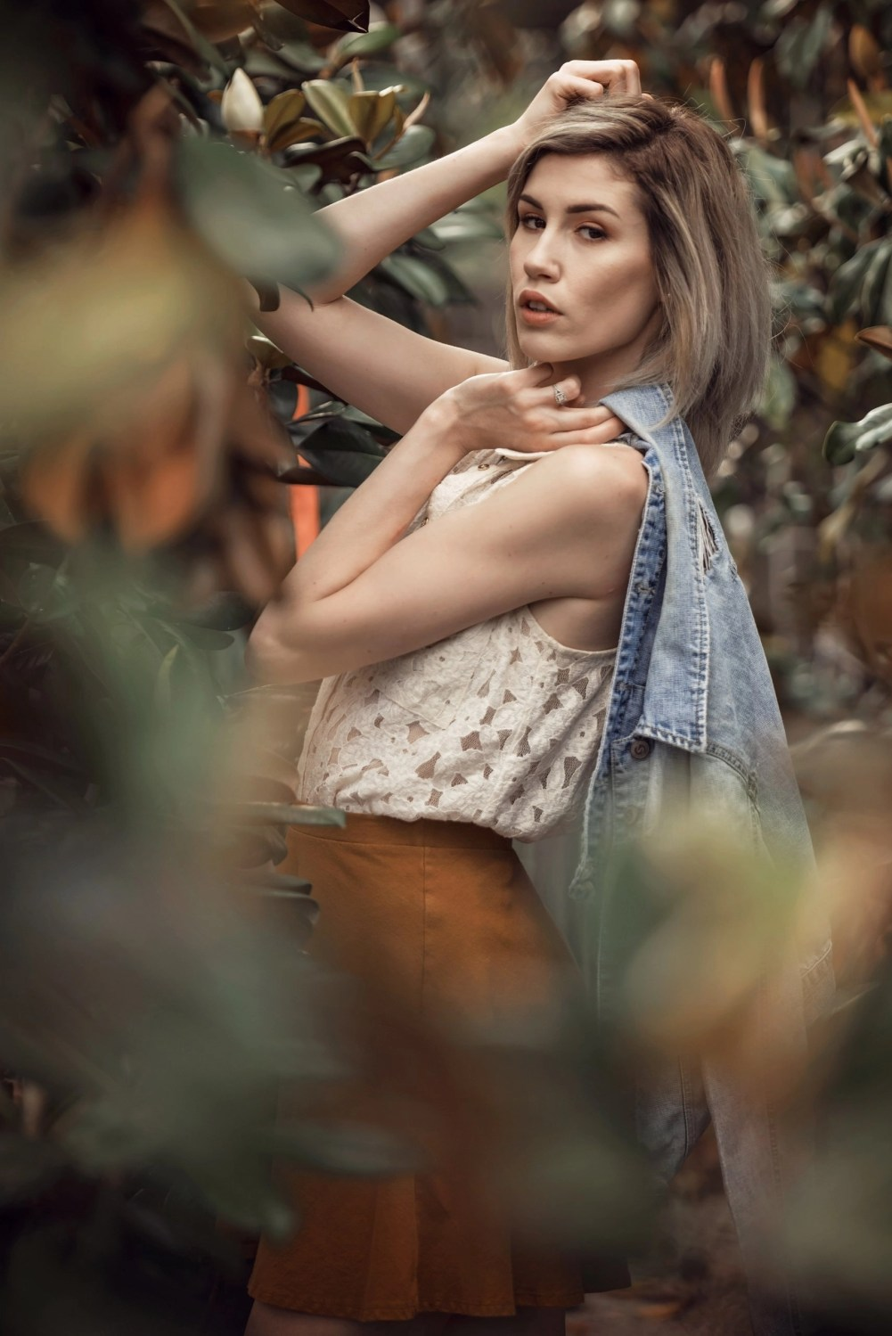 gorgeous senior creative edgy photography in nature