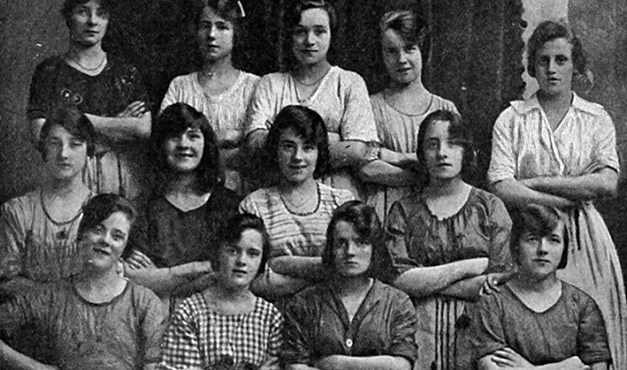 Você consegue encontrar o fantasma nesta foto de 1900?