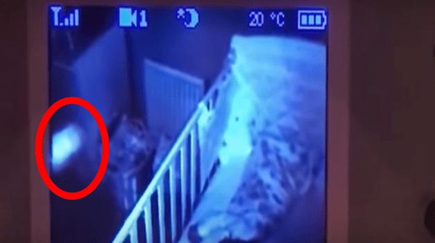 Pai instala câmera no quarto da filha e flagra suposto fantasma