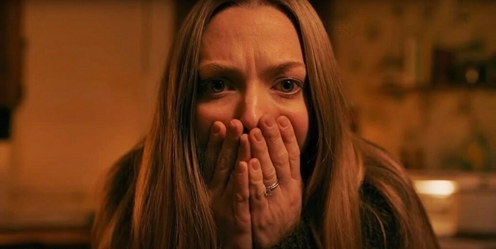 Família á aterrorizada quando muda de casa no novo filme da Netflix 'Vozes e Vultos'