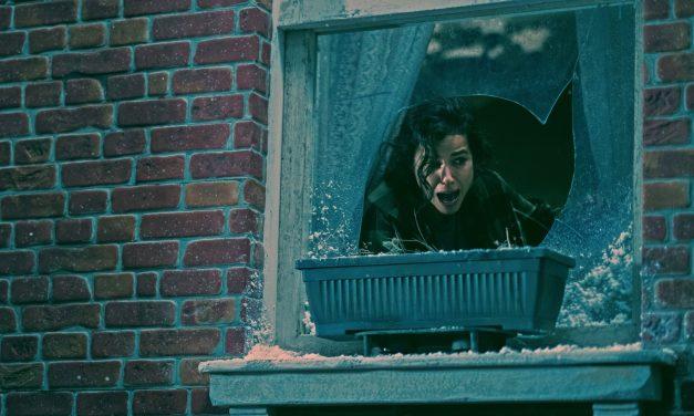 Jovem aluga quarto e sua vida vira um pesadelo no novo filme da Netflix 'Ninguém Sai Vivo'